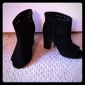 Torrid Open Toe booties size 6